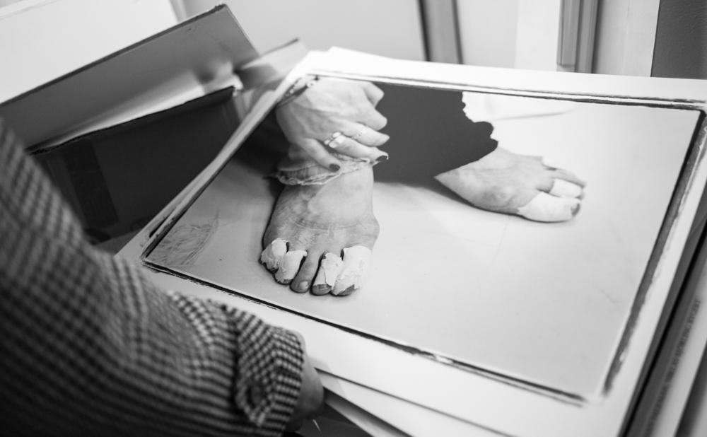 En tur till arkivet med Mats Bäcker. Dansares fötter