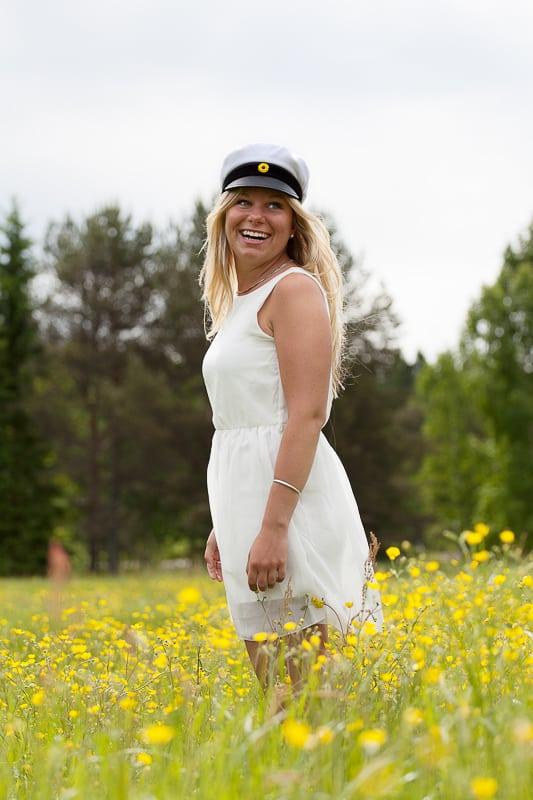 Matildas Student - Studentfotografering på äng i Karlstad